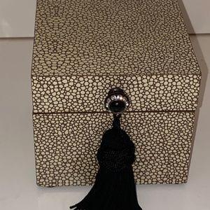 Bombay Beige Jewelry Box
